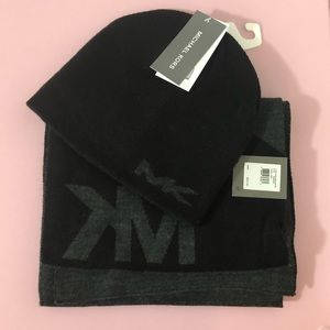 NWT Michael Kors Scarf & Hat Set